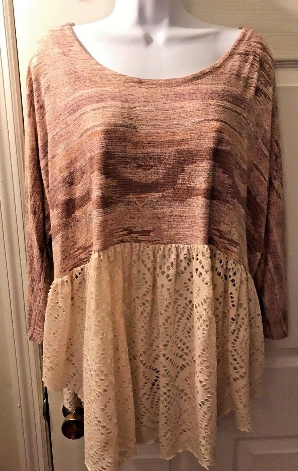 Women's FREE PEOPLE Space Dye Peplum Top Shirt Ivory Eyelet Blouse Pink Sz S