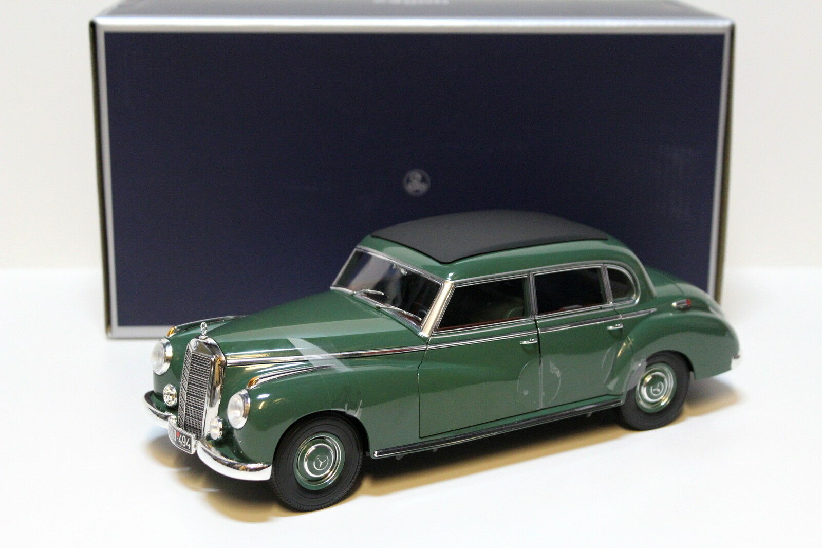 1 18 18 18 Norev Mercedes 300 Année de construction 1955 vert NEW chez Premium-modelcars 4292a5