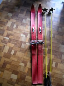 Kinderski-ca-120cm-Ski-Set-mit-2-Stoecken-Farbe-rot-wie-abgebildet