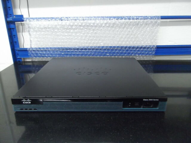 Cisco 2901 Is Routeur { Cisco 2901 } Sec / K9 Ipbasek9+Securityk9 Licence