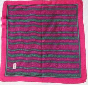 9fe792beeea Magnifique Foulard YVES SAINT LAURENT 100% soie TBEG vintage scarf ...