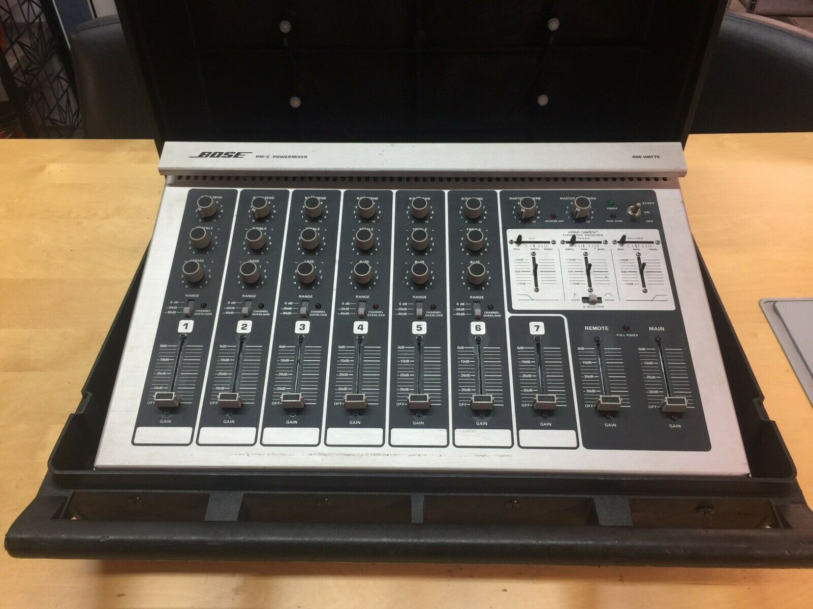Bose PM-2 POWERMIXER 400WATT w Case