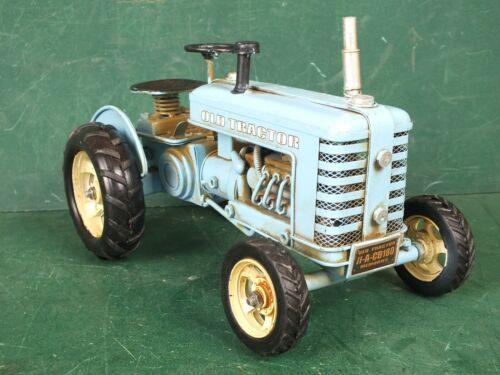 Schlepper Groß Länge ca 25 cm Traktor 1 Kg Repro Deko Blechspielzeug Trecker
