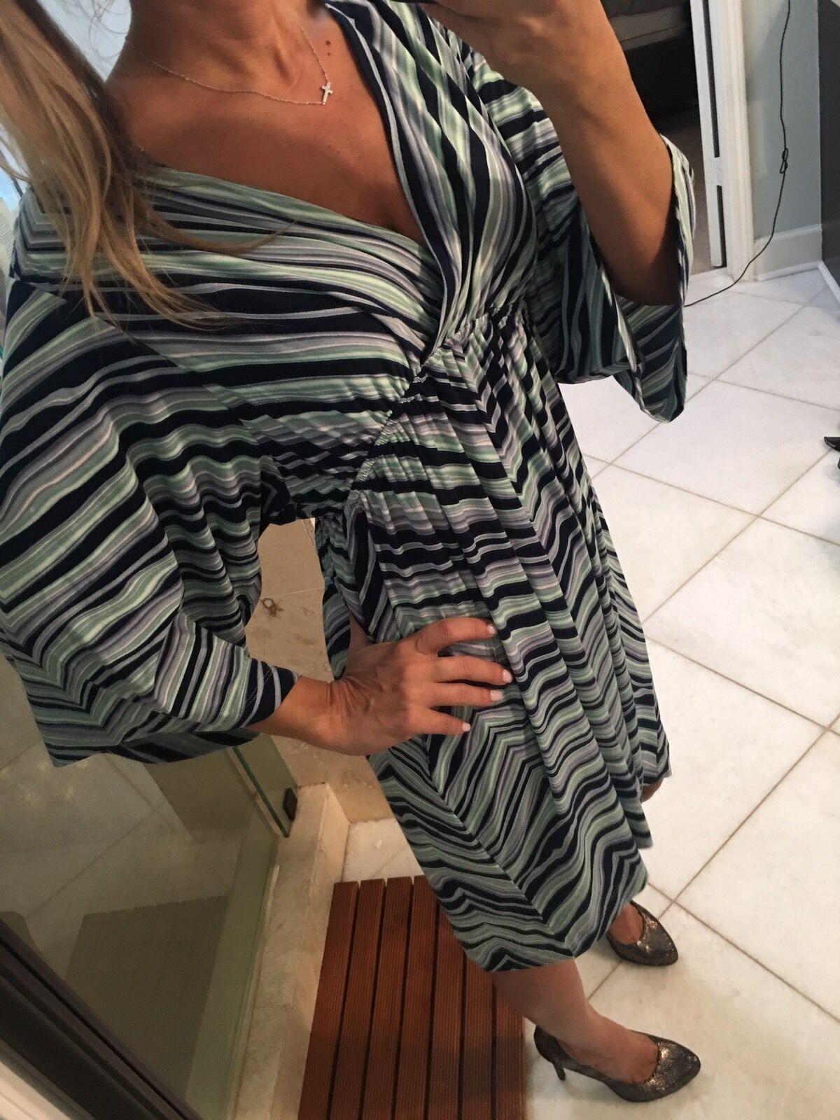 SOMA Stretch V Bust Summer Soft Batwing Dress Large bluee Green Chevron Sundress