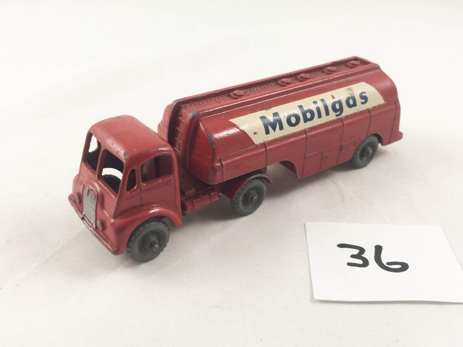 VINTAGE MATCHBOX MAJOR KING SIZE M-8 THORNEYCROFT PETROL TANKER (MOBILGAS) 1960