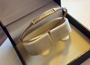 Lovely-Ladies-Stamped-9CT-Gold-Bangle-Bracelet-set-with-Zirconia-Stones