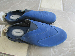NIKE AIRLINER BLUE MULES ATHLETIC SNEAKER SHOES WOMENS 7 SLIP ONS LOAFERS