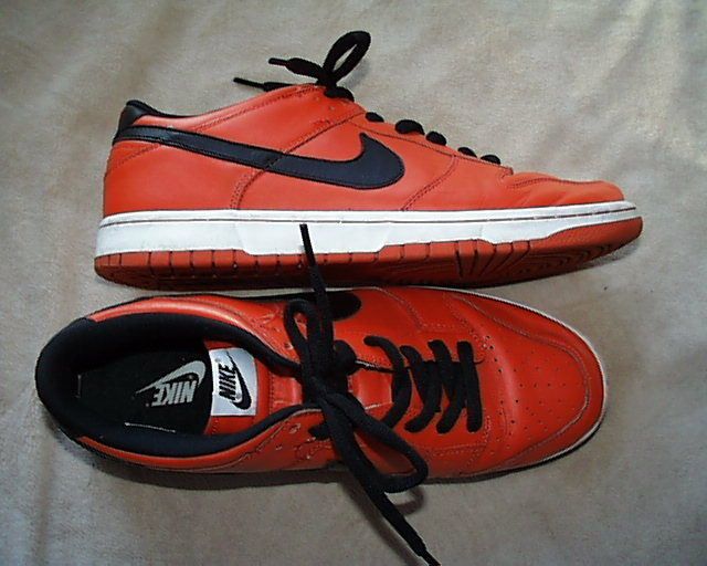 NIKE iD ORANGE AND BLACK LEATHER  VINTAGE SHOES SIZE 13US 12UK COLLECTORS