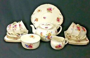 V1275-ROYAL-DOULTON-1932-TEA-SET-22-PIECE-TEAPOT-MILK-amp-SUGAR-CAKE-PLATE-6-TRIOS