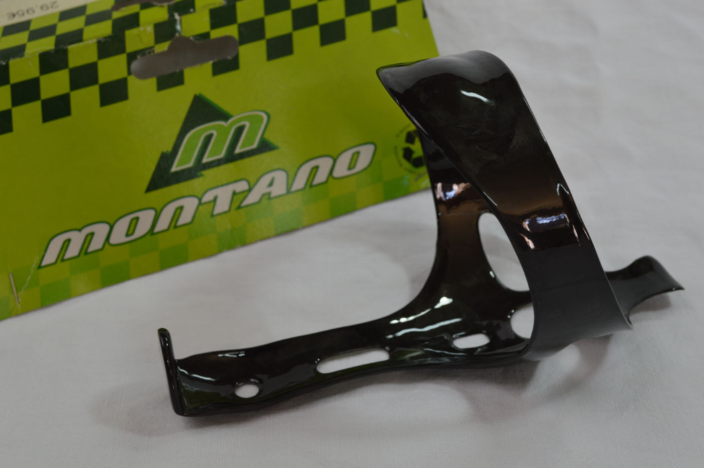 NEW bottle cage Montano carbon