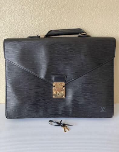 LOUIS VUITTON Vtg unisex black leather top handle