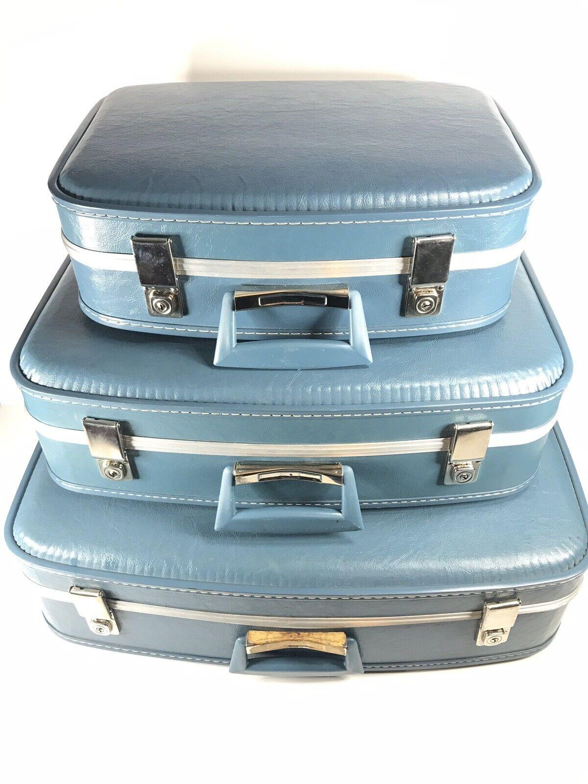 Vintage Nesting Trois Pièce Lot de bagages bleu avec 3 Clés Voyage Home Decor photo