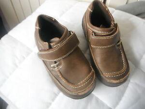 Chicos Zapatos Marrones Talla 6 de cabeza guiños