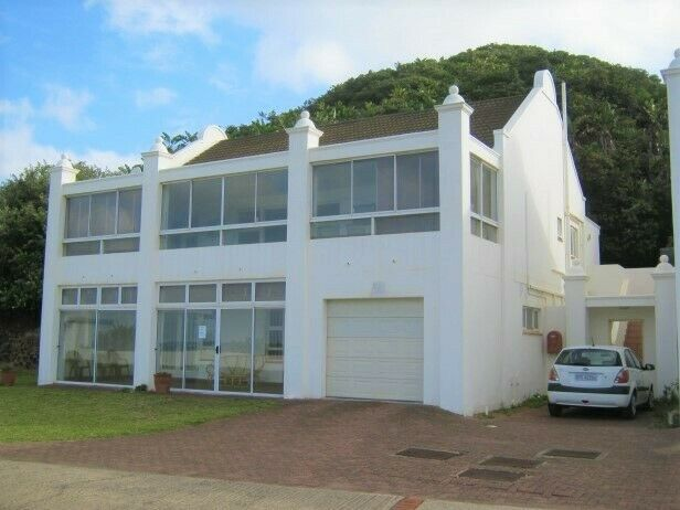 3 Bedroom Townhouse in an Exclusive Estate for sale in Port Edward.
