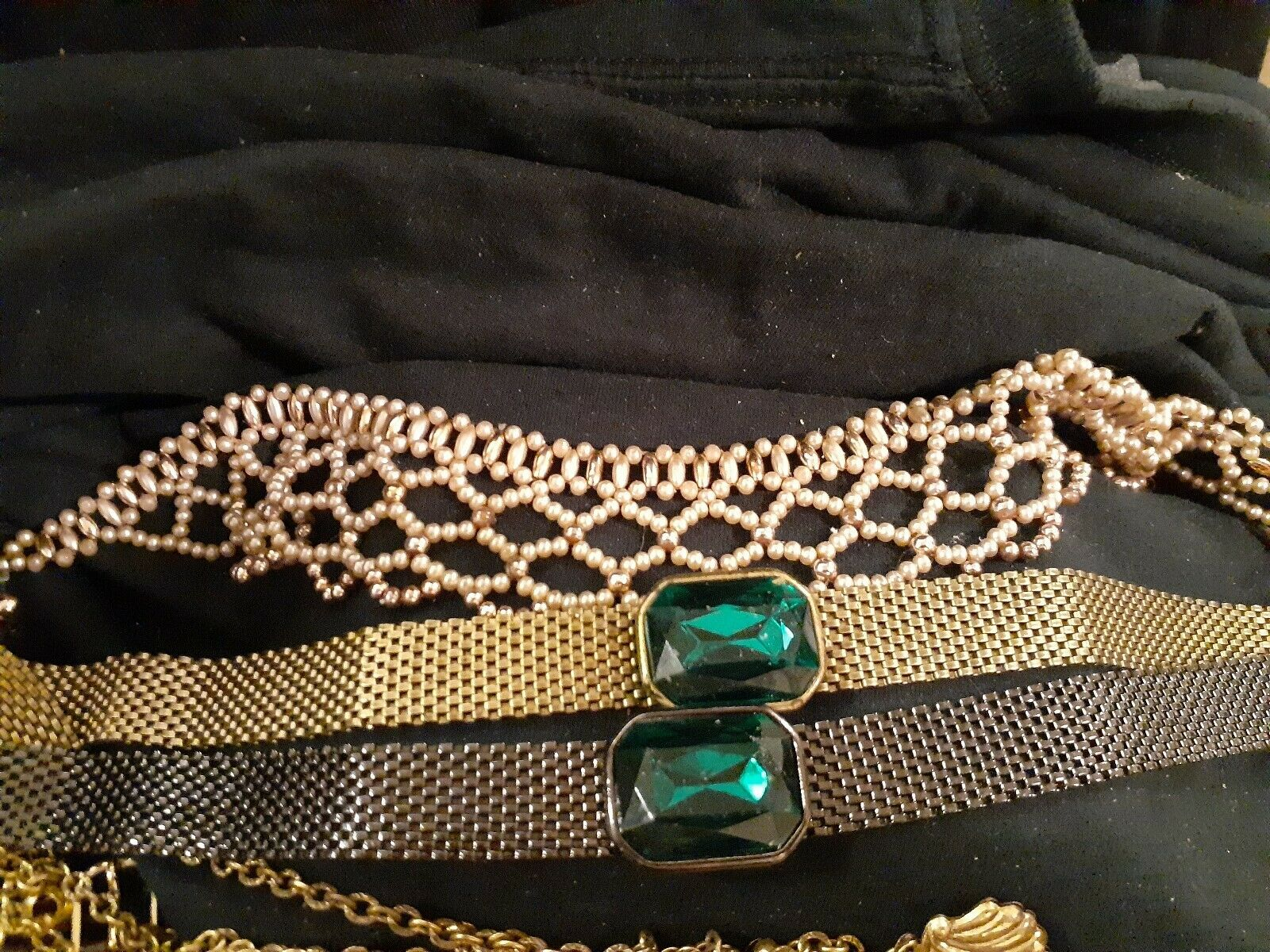 LOT OF VINTAGE COSTUME JEWELRY WATCHES CHARM BRAC… - image 3