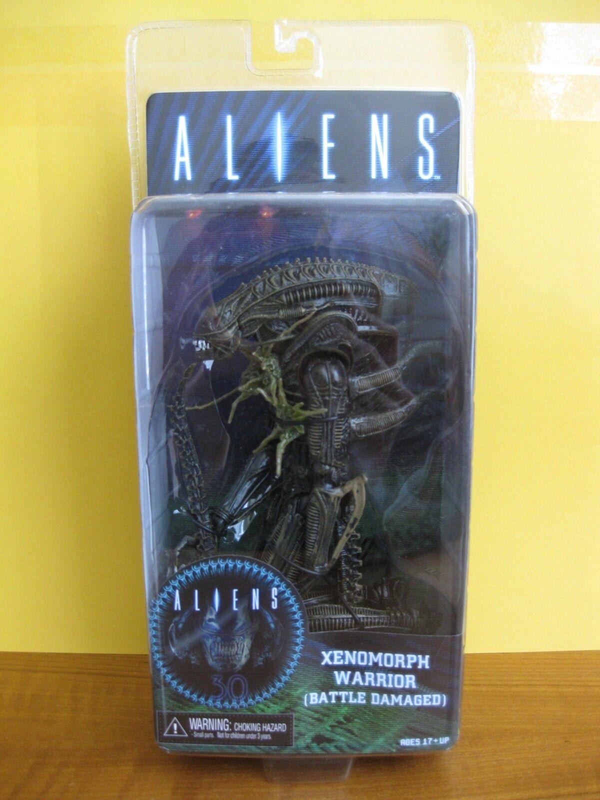 2017 Neca Aliens Series 12 Battle Damaged Xenomorph Brwn 7  New MIP AVP Predator