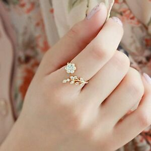Women-Korean-Fashion-Diamond-Ring-Opening-Flower-and-Leaves-Twisted-Rings