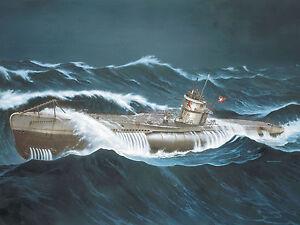 REVELL-05015-1-72-Deutsches-U-Boot-VII-C-Wolf-Pack-Die-grauen-Woelfe-NEU