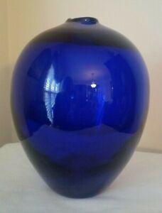 Studio-Art-Glass-Vase-Deep-Cobalt-Blue