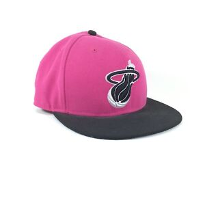 New Era 9FIFTY NBA Miami Heat Pink Black Hardwood Classic Snapback ... 1698a309d94