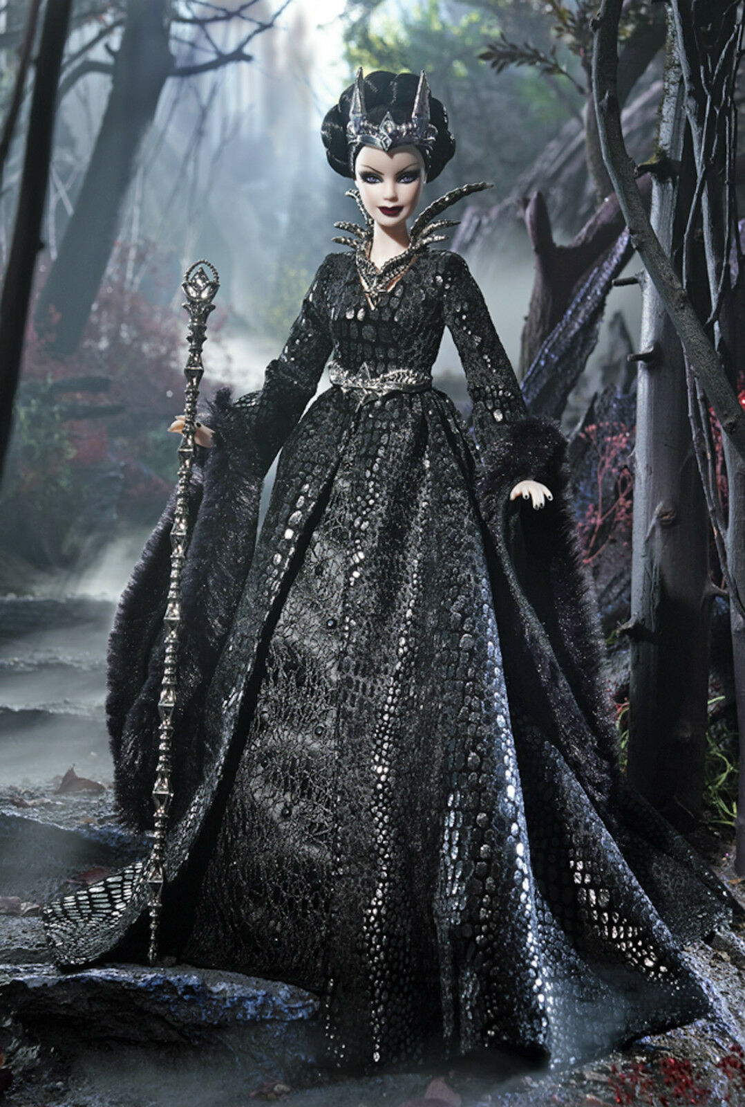 STUNNING FARAWAY FOREST 2015 QUEEN OF THE DARK FOREST BARBIE-NEW IN SHIPPER