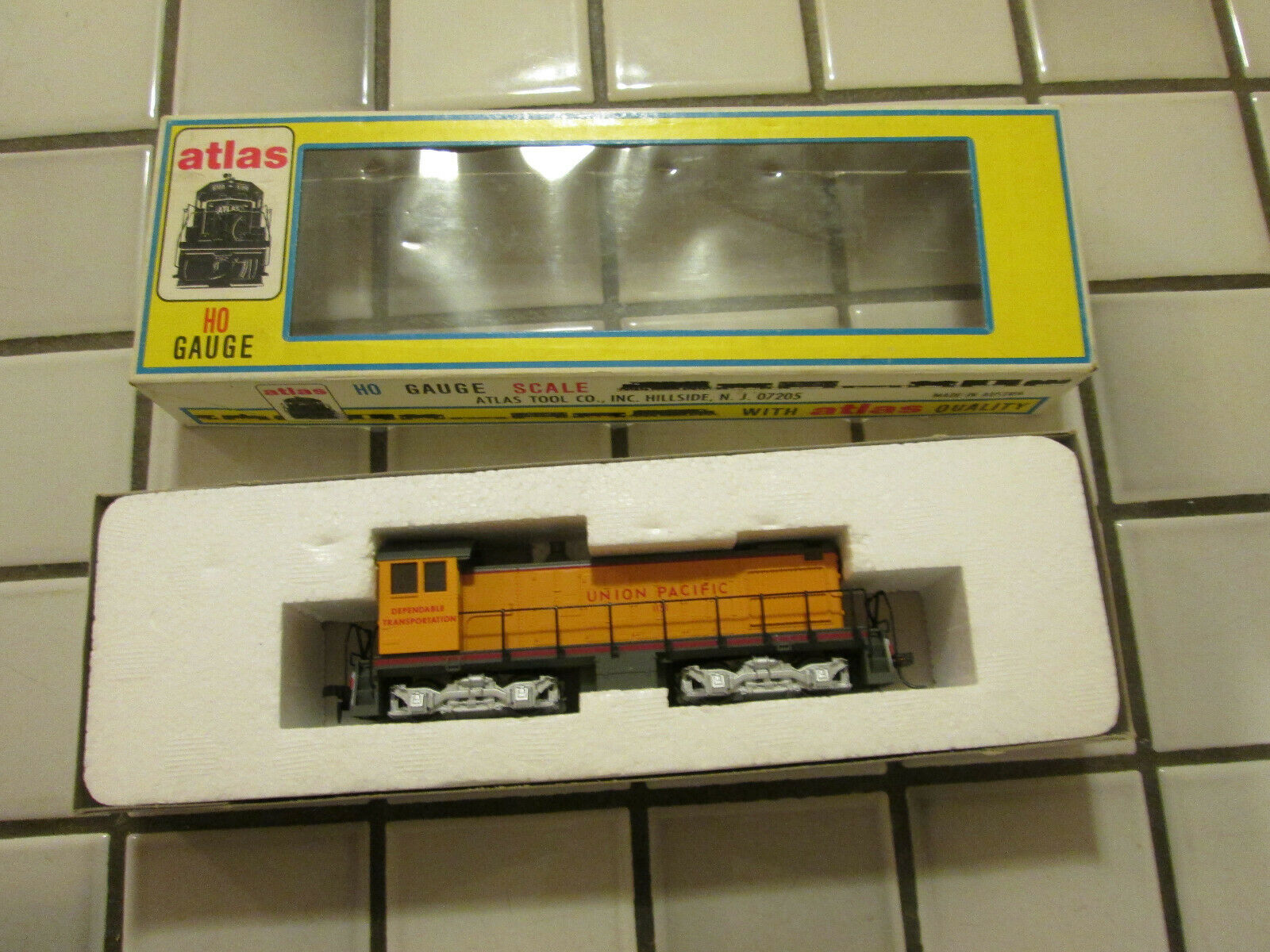 ATLAS UNION PACIFIC ALCO S2 powered switch engine HO SCALE