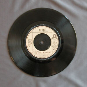 SG-7-034-45-rpm-BEE-GEES-YOU-SHOULD-BE-DANCING-RSO-1976