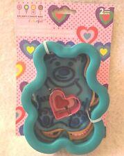 DYLAN/'S CANDY BAR GUMMY BEAR HEART COMFORT GRIP CUTTER COOKIES WILTON NEW A15075