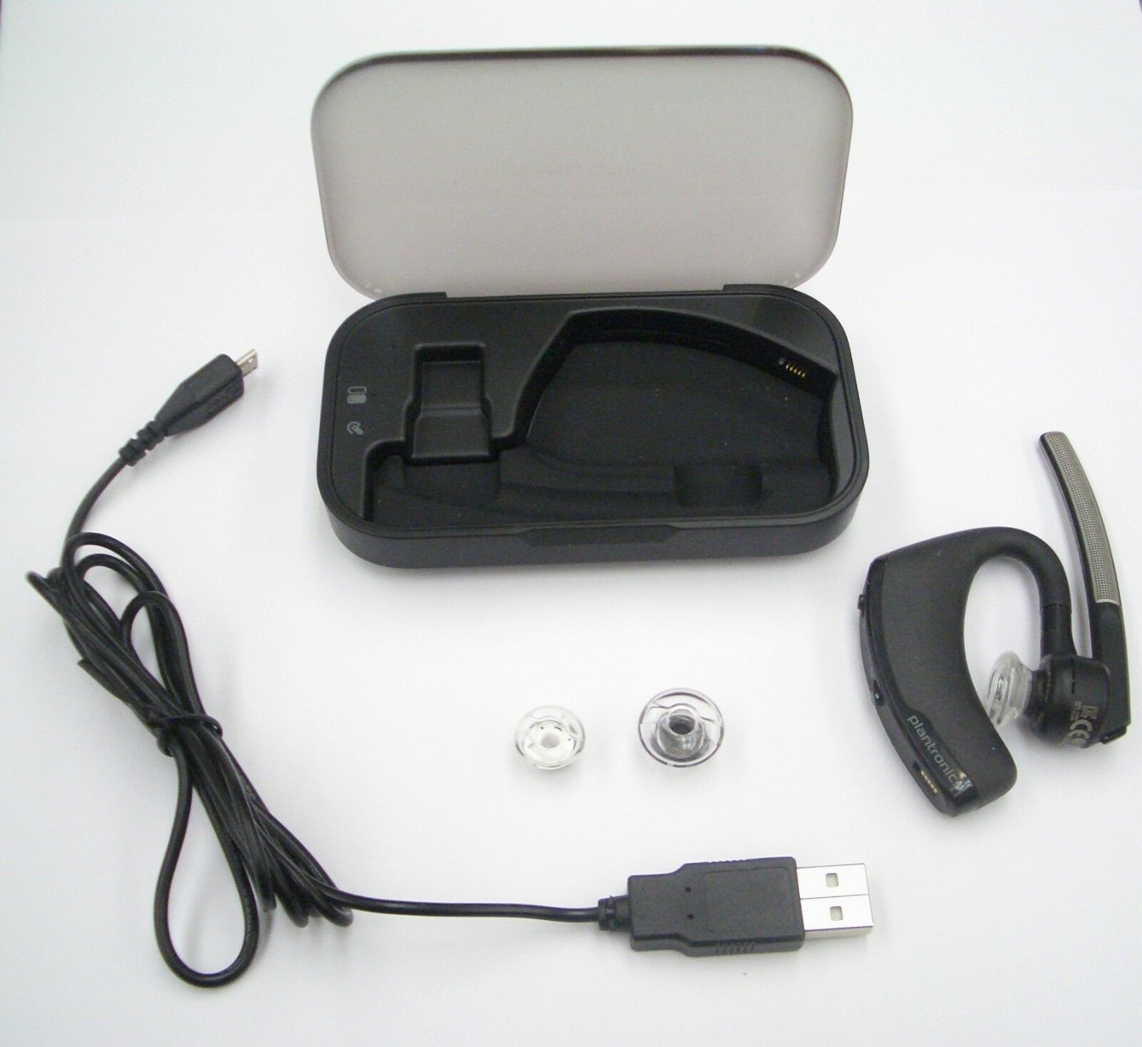 Plantronics 89880 01 Voyager Legend Mobile Bluetooth Headset With Charging Case 17229141094 Ebay