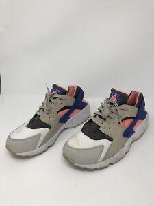 bbc8480ceb895 Nike Air Huarache LE Urban Safari White Tan Blue Pink 318429-046 ...