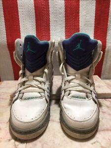 Nike Jordan Youth Size 5y White blue