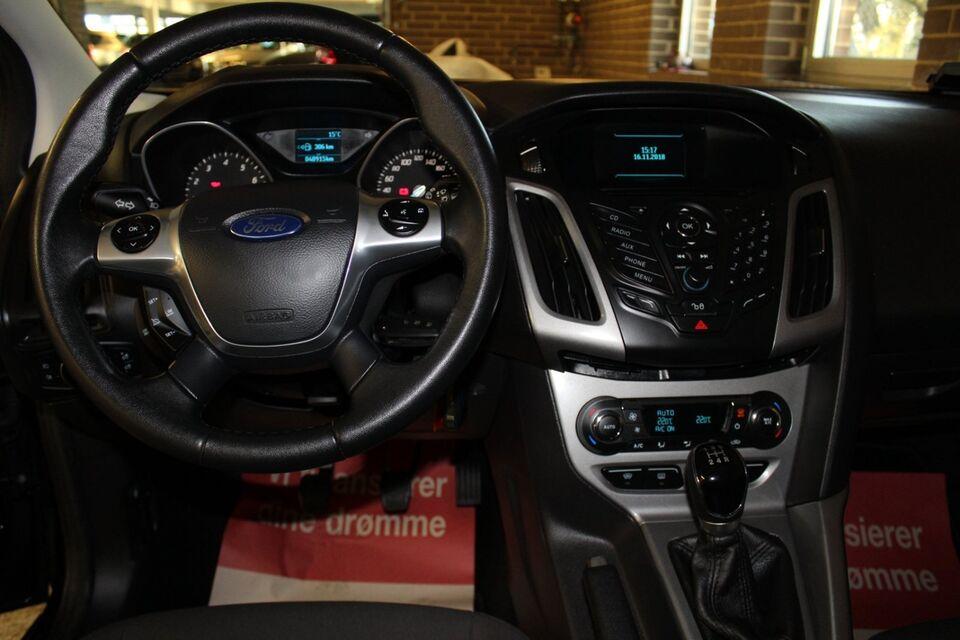 Ford Focus 1,0 SCTi 100 Edition ECO Benzin modelår 2014 km