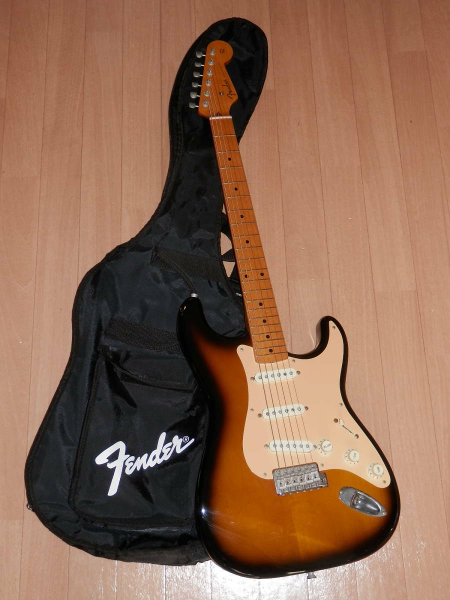 FENDER JAPAN ST57(2TS)  JAPAN beautiful rare EMS F S