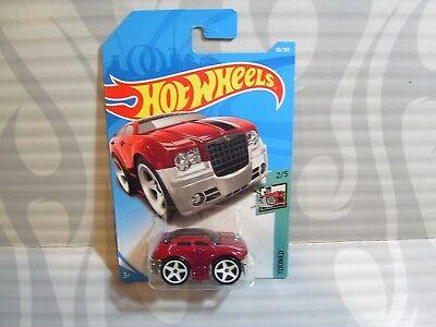 CHRYSLER 300C #30✰red; white 5sp✰TOONED✰2018 i Hot Wheels CASE B