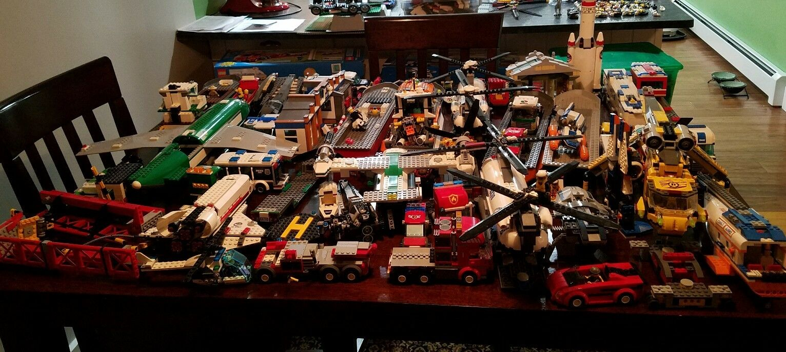 Huge lot of 26 sets lego city creator star wars
