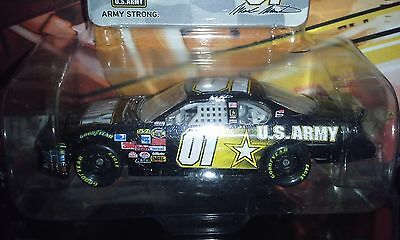 WINNERS CIRCLE 2007 1:64 MARK MARTIN #01 ARMY CAR COMES WITH FAN BADGE