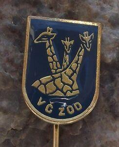 Antique Giraffe Necks /& Heads Safari Park Herd Dvur Kralove Czech Zoo Pin Badge