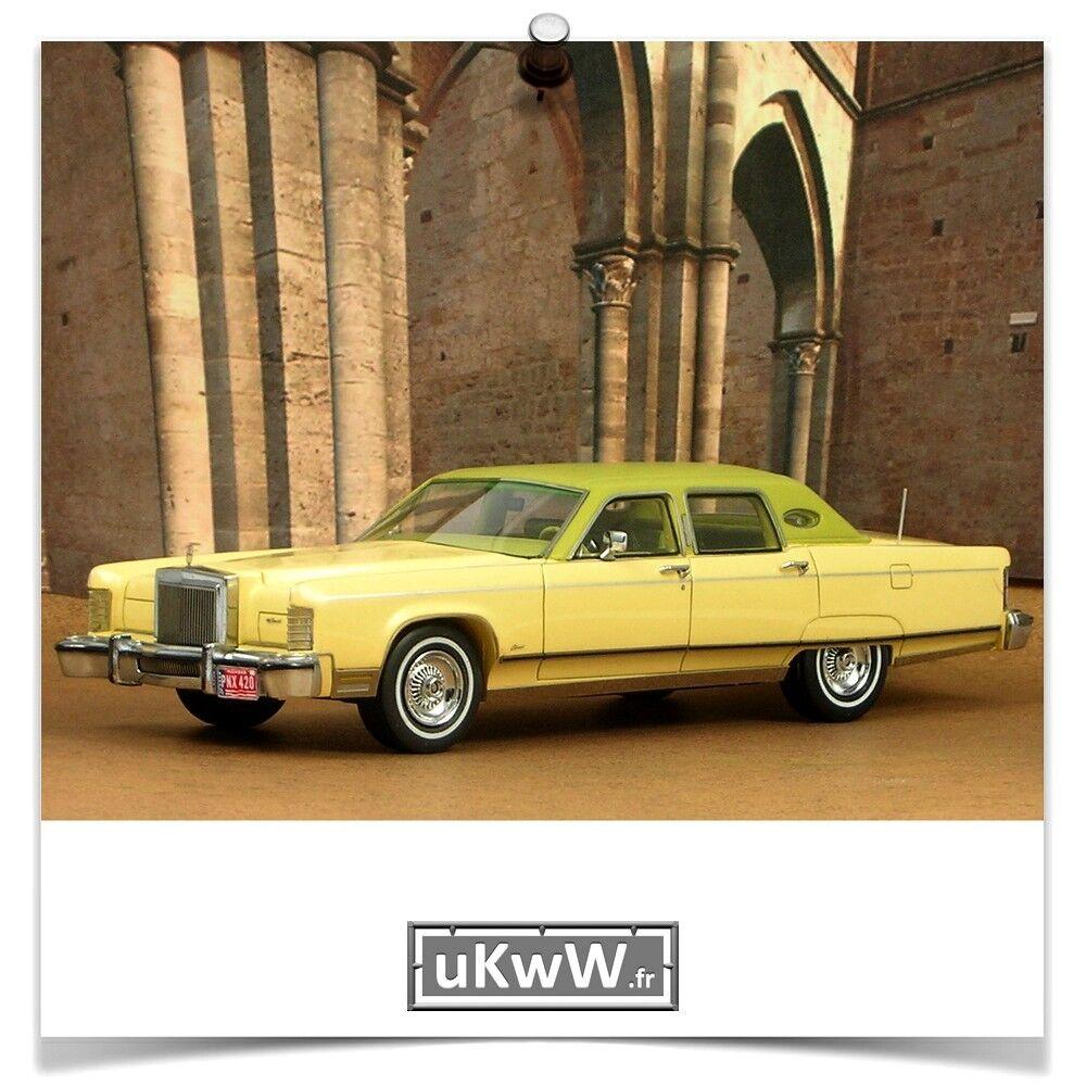 Neo 1/43 - Lincoln Lincoln Lincoln Continental Town Car 1977 crème 8c841d