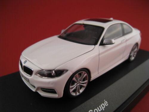 BMW 2er Coupe in weiß  iScale  BMW Werbemodell  Maßstab 1:43  OVP  NEU