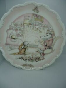 Royal-Doulton-Wind-in-the-Willows-Plate-Badger-039-s-House-1st-Quality-Vintage