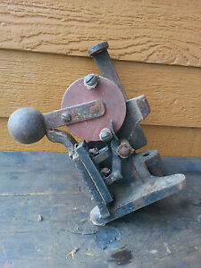 Antique-Part-Tool-Machine-Not-sure-Switch-Cast-Iron-Primitive-Steampunk
