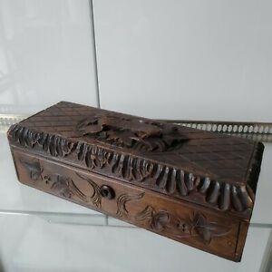 Ancienne-Boite-a-Gants-Bois-Sculpte