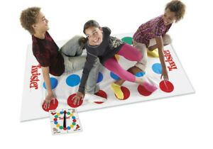 Classic-Twister-Funny-Moments-with-Family-Moves-Board-Game-Children-Friend-Body