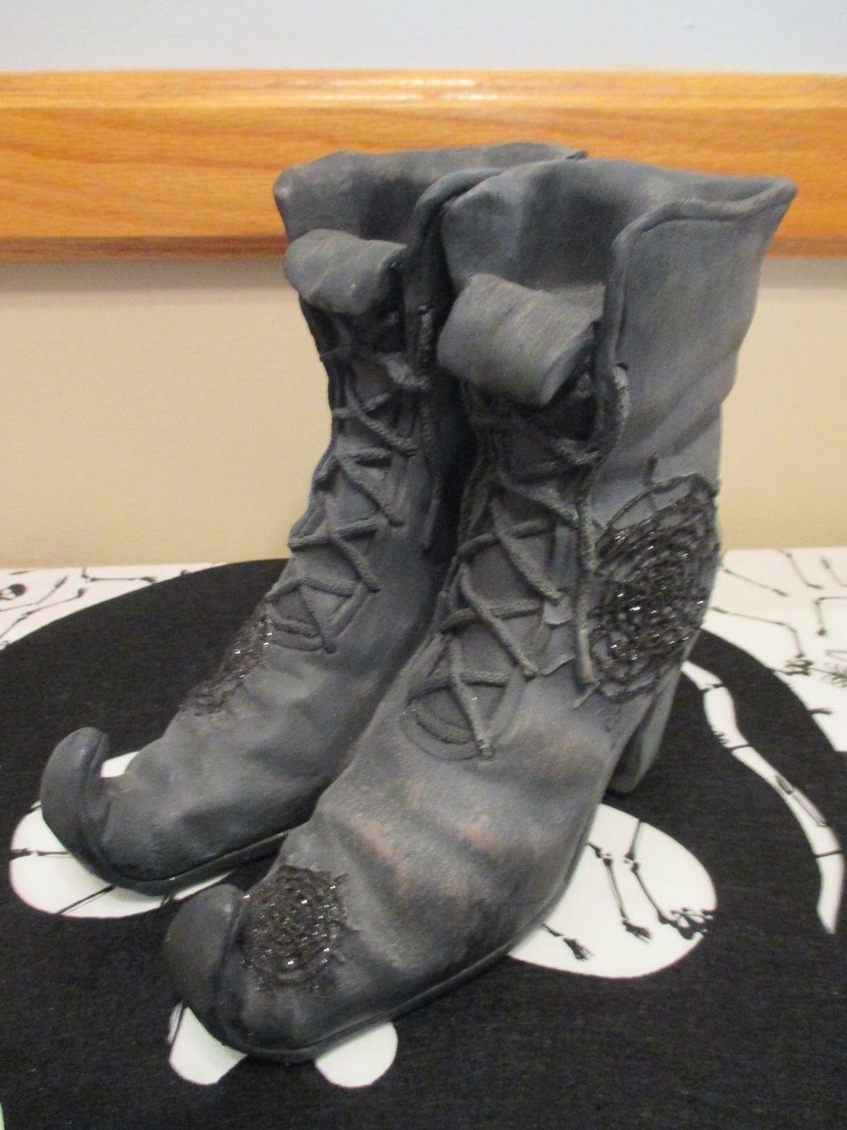 Witch's Stiefel Tea Light Holder Halloween -Witch Crafters-NWT-Yankee Candle Style