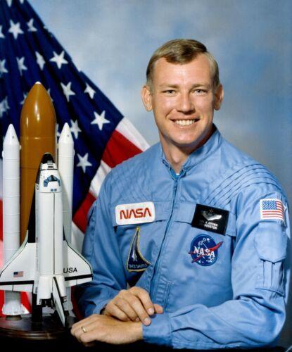 e163 8x10 NASA Photo Astronaut Mark Brown