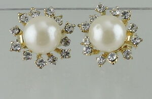 VINTAGE-GOLD-TONE-FAUX-PEARL-CLUSTER-WHITE-RHINESTONE-CLIP-EARRINGS