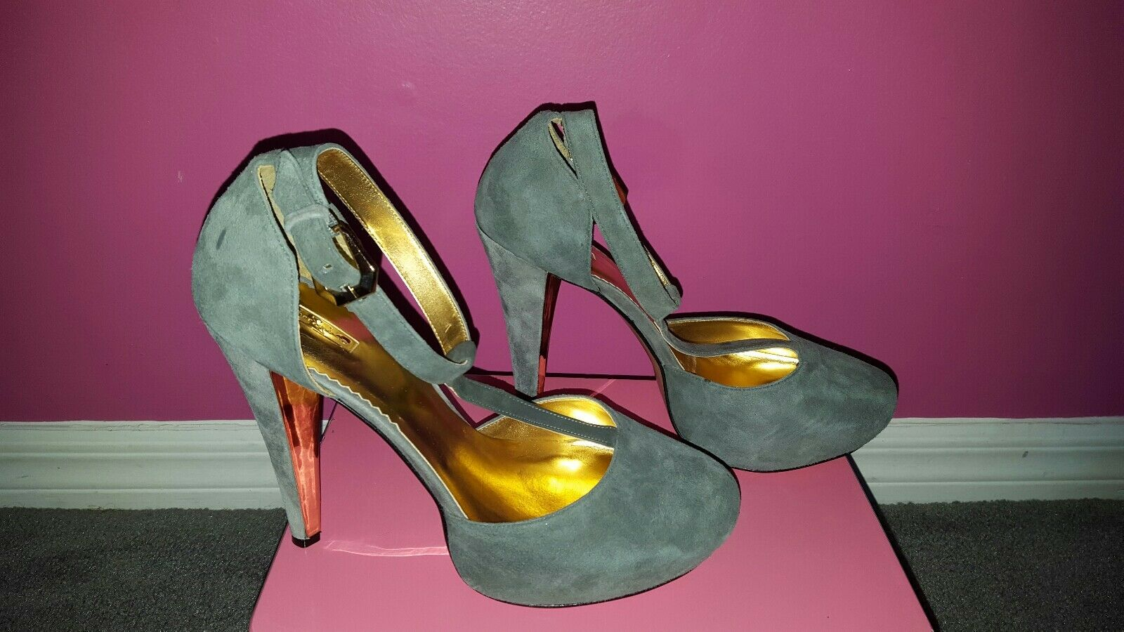 Report Signature Stilletos Guarda T-strap Platform Grau Stilletos Signature sz 10 1a1ced