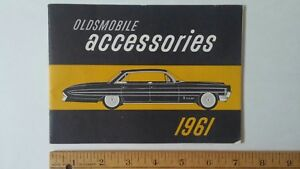 1961-OLDSMOBILE-Accessories-Original-Dealer-Pt-Color-Sales-Catalog-Brochure