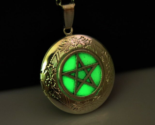 Green Glow In Dark pentagram supernatural Silver Locket Pendant Necklace L169
