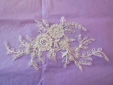 Un avorio da sposa con perline pizzo Applique da Cerimonia in Pizzo Floreale Motif. per pezzo